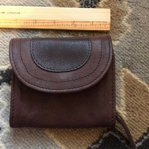 Fat Face 💯 brown Leather wallet with zipper